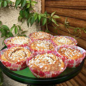 Cinnamon_buns_on_plate