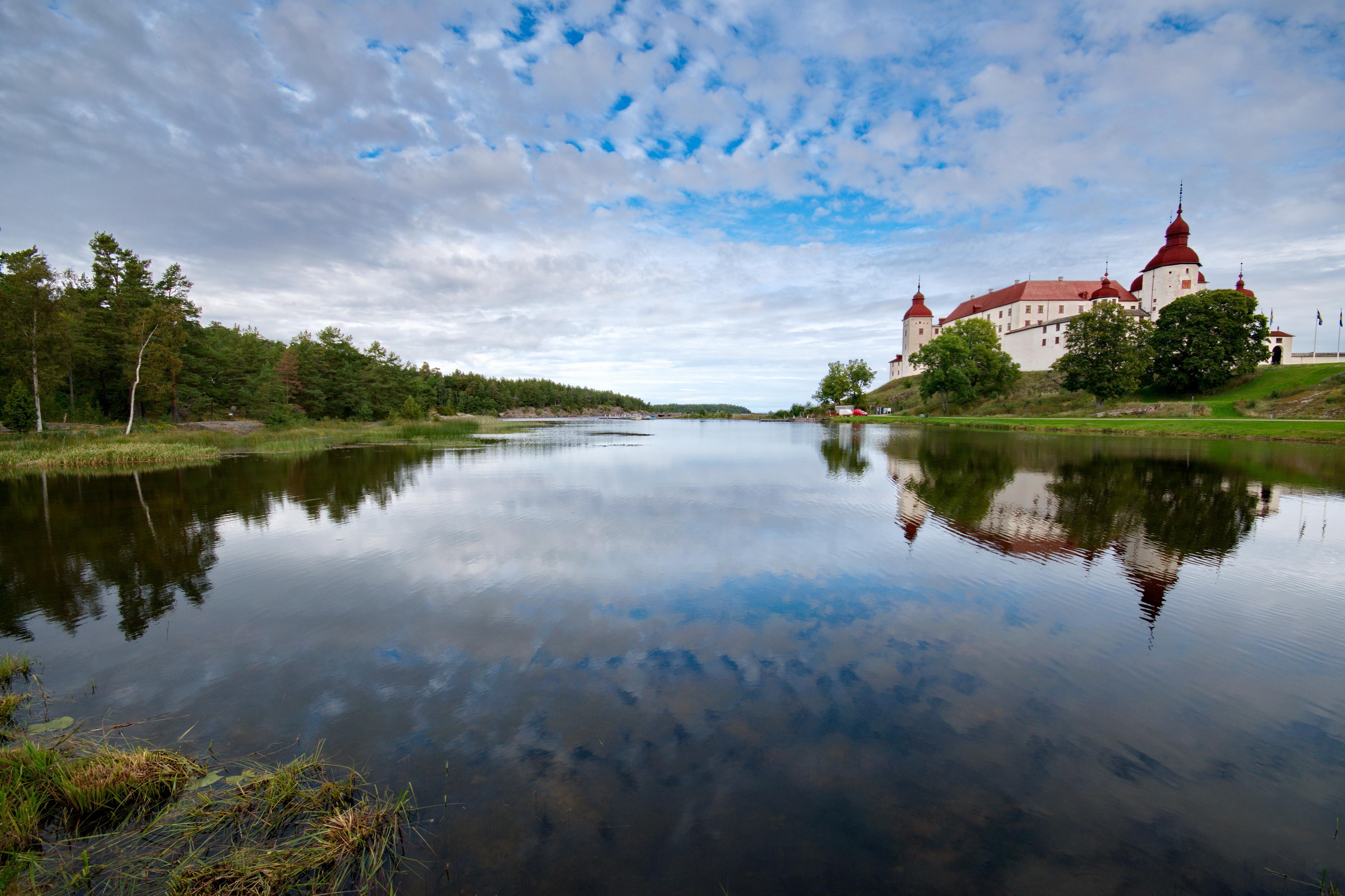 Pils, Lacko pils, Vēnerns, ezers Zviedrijā, lielākais ezers