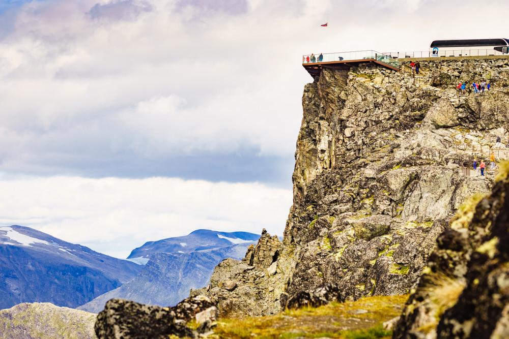 Dalsnibba, Skatu platforma, skats uz fjordu, visaugstākais skatu punkts, Norvēģija, Skandināvija, klints, serpentīns, serpentīna ceļš