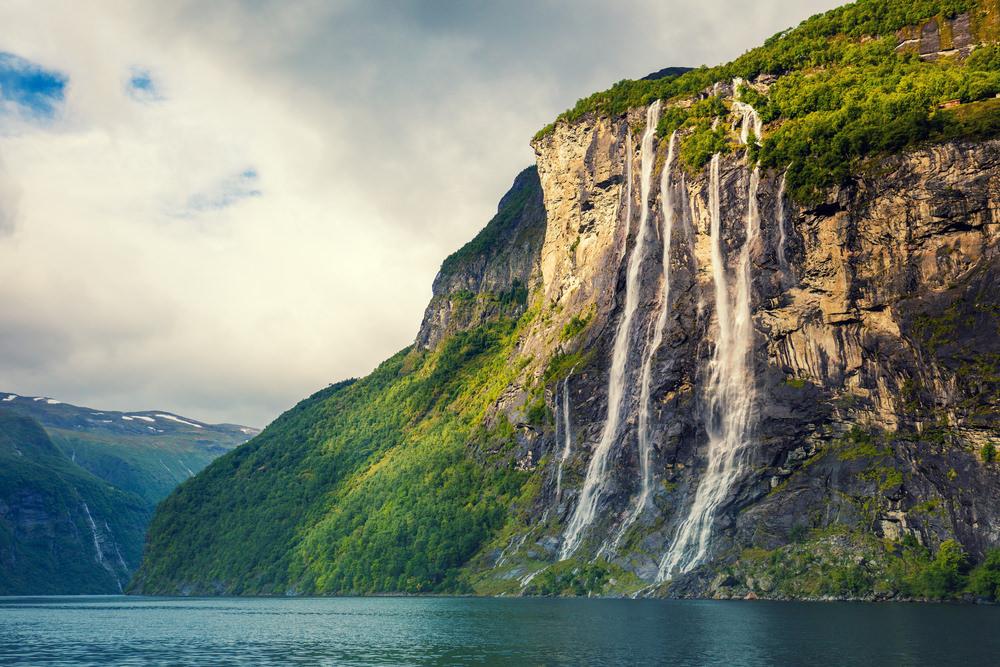 Norvēģija, Septiņu māsu ūdenskritums, ūdenskritums, fjords, līcis, klints, straumes, strūklas, ekskursija, kalnos kāpšana, Skandināvija