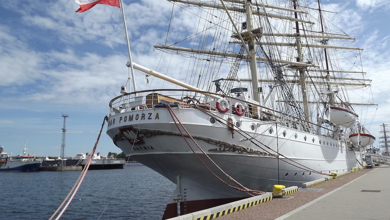 Polija, Kara kuģis, kuģis muzejs, burinieks, eksponāts, ko apskatīt Gdiņā, Gdiņa, Eiropa