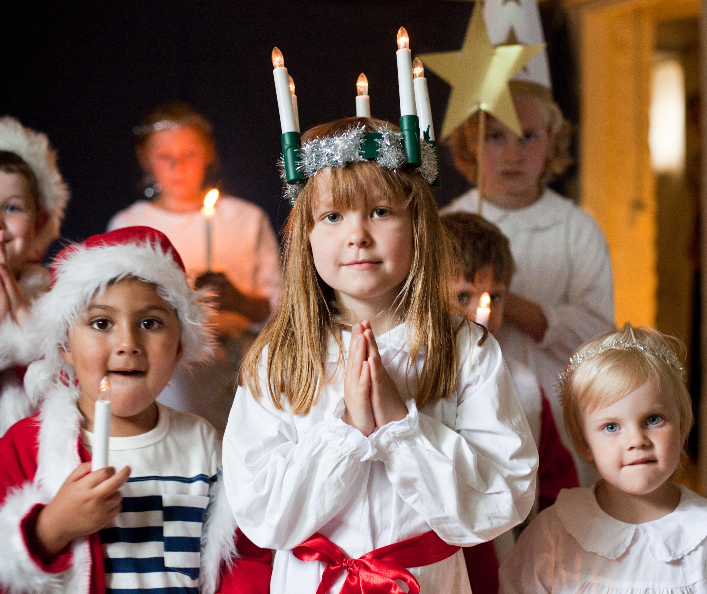 Lūcijas diena, Zviedrija, Skandināvija, tradīcijas Zviedrijā, pirssvētku tradīcijas, labdarība, mītiska dieviete,