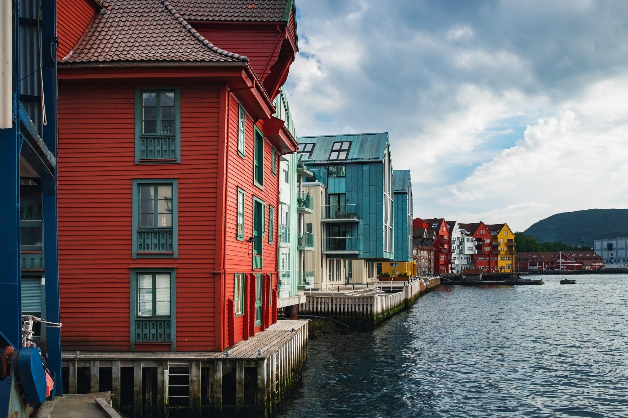 Brigene, Bergena, Norvēģija, koka apbūve, arhitektūra, hanzas laiks, piestātne, kuģu piestātne, UNESCO mantojums