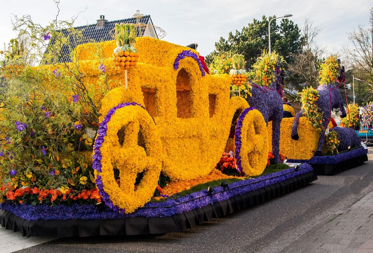 ziedu parāde, Holandes ziedu parāde, no ziediem darināti automobiļi